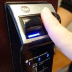 [開箱文] Yale-4109 電子指紋鎖,回家不用鑰匙了!
